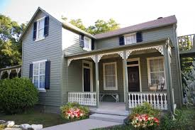 Fredericksburg is famous for its bed and breakfast inns and has over 400.